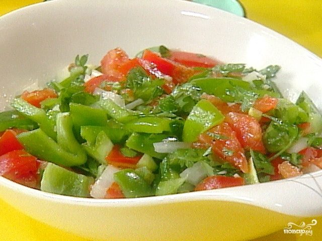 Рецепт Салат с перцем и помидорами