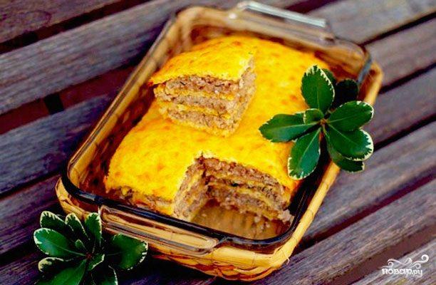 Слоеный сырный пирог с куриным фаршем