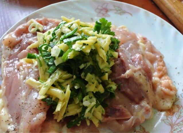 Куриные бедрышки, запеченные с сыром - фото шаг 3