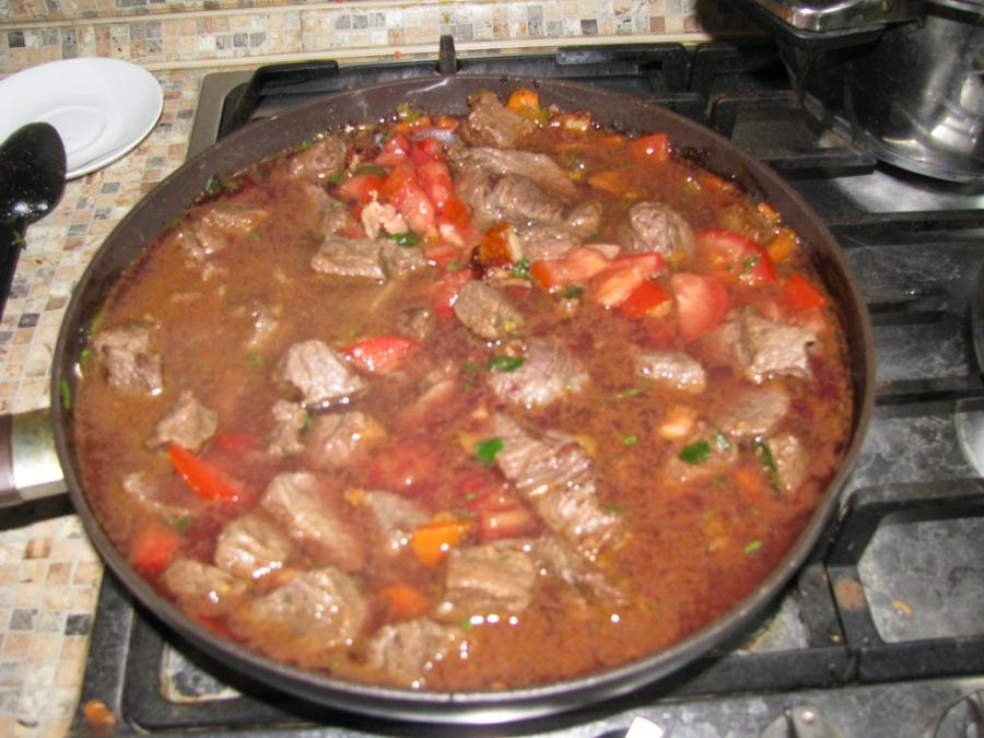 Мягкая говядина на сковороде - фото шаг 7