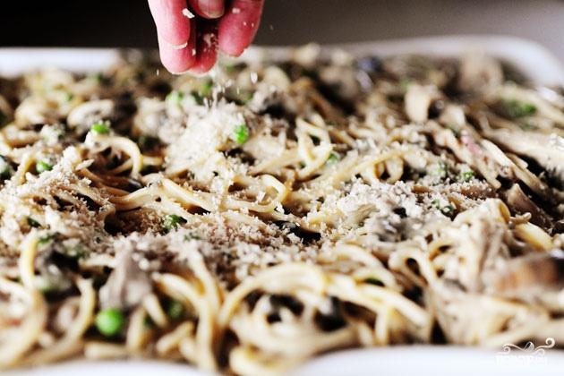 Запеканка с индейкой и спагетти - фото шаг 8