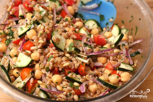 Салат с фарро, овощами и кедровыми орешками - фото шаг 3