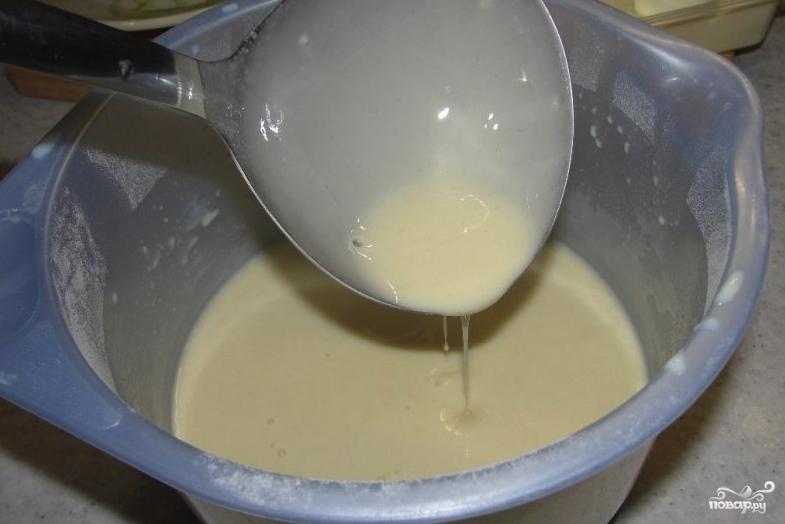 Тоненькие блинчики на молоке - фото шаг 3