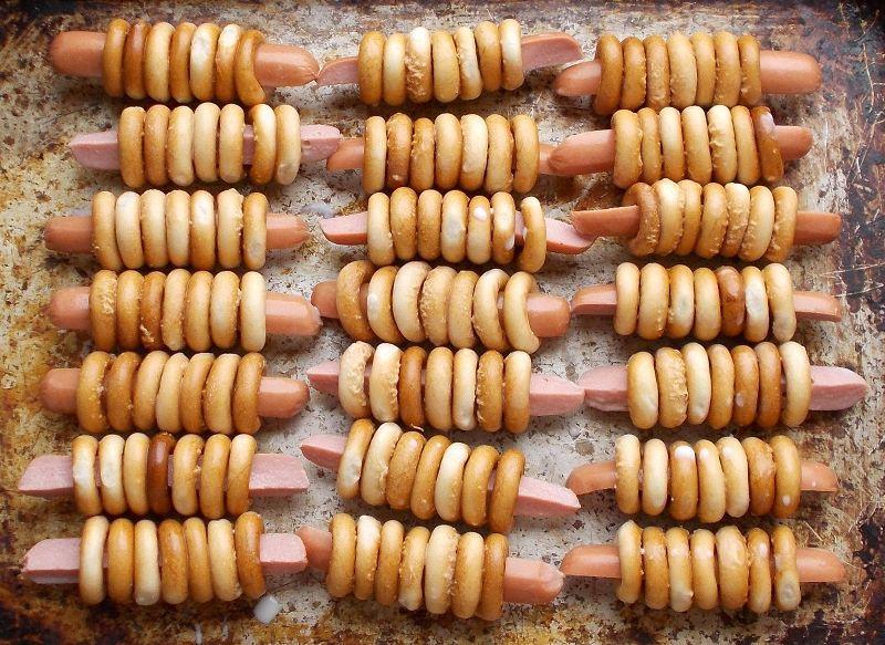 Сосиски в бубликах - фото шаг 2