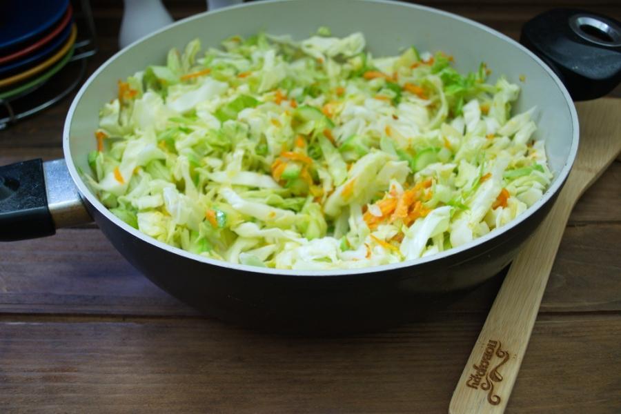 Рагу из кабачков и капусты - фото шаг 7