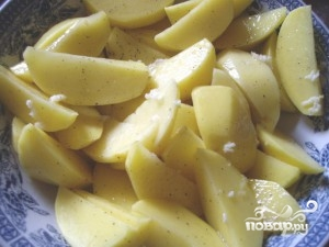 Картофель в сухарях - фото шаг 1