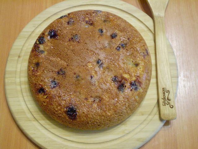 Пирог с ягодами на кефире - фото шаг 6
