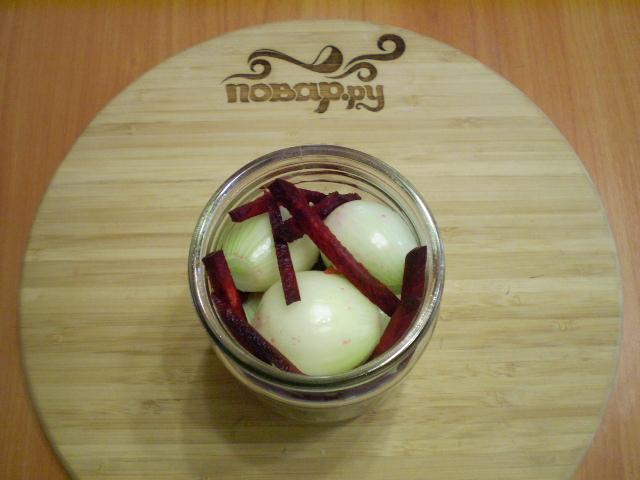 Маринованный лук со свеклой на зиму - фото шаг 3