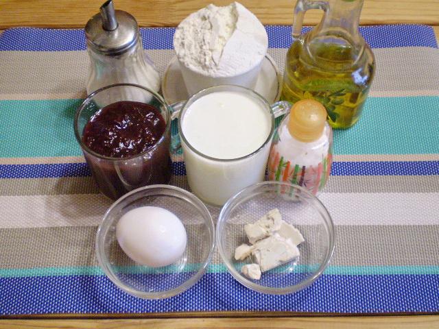 Рецепт Дрожжевой пирог с вареньем
