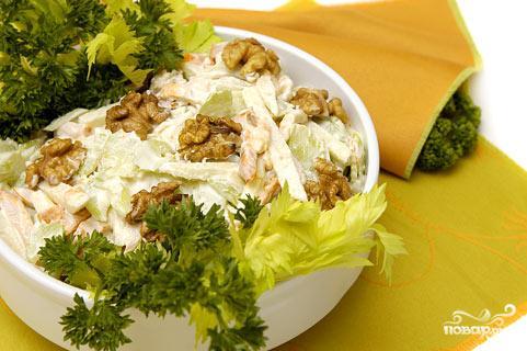 Рецепт Салат из сельдерея с ореховым соусом
