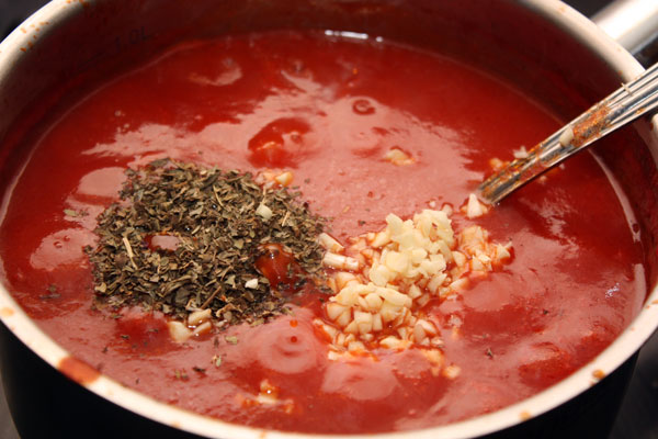 Соус из томатной пасты - фото шаг 3