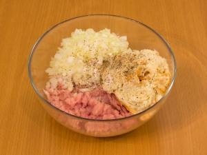 Куриные тефтели под сливочным соусом - фото шаг 5