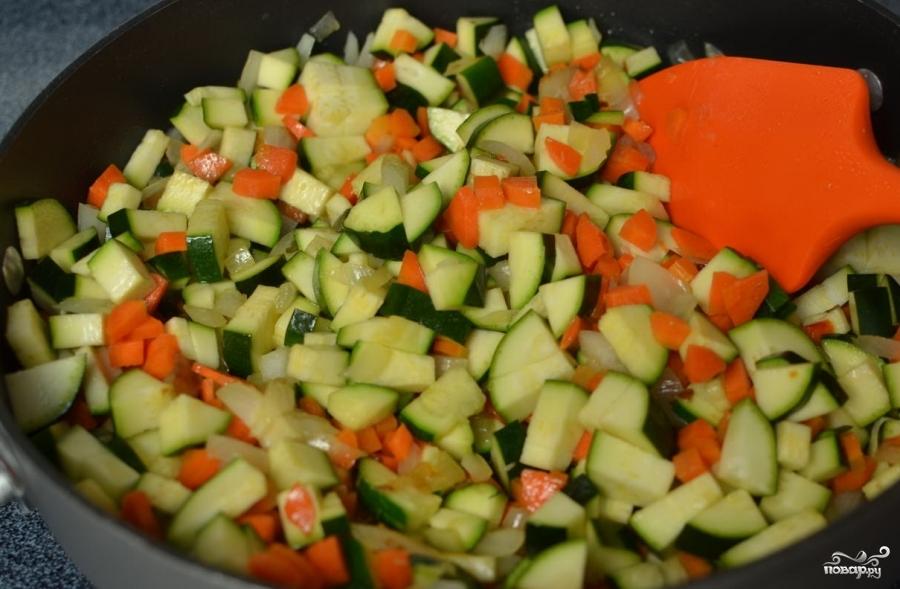 Теплый салат с цукини - фото шаг 4