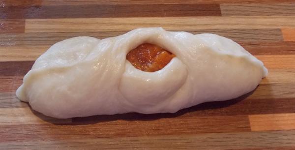 Пирожки с курагой в духовке - фото шаг 9