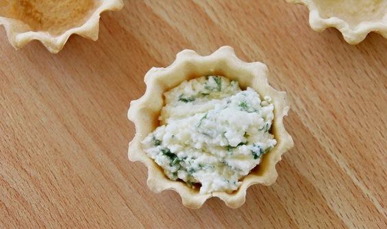 Тарталетки с сырной начинкой - фото шаг 3