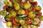 Молодой картофель с овощами