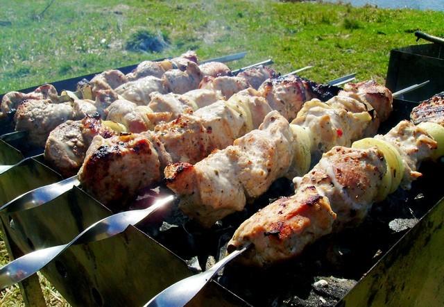 Шашлык из свинины с луком - фото шаг 6