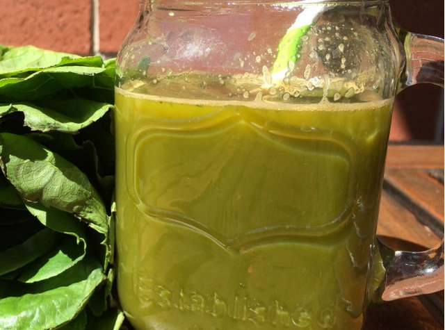 Сок из зелени - фото шаг 3