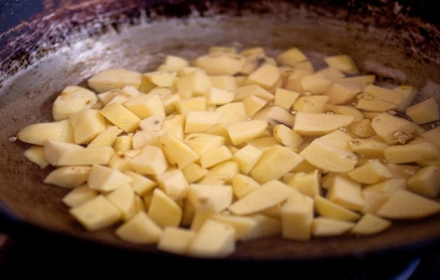 Быстрые пирожки на кефире - фото шаг 3