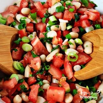 Салат из помидоров и фасоли - фото шаг 7