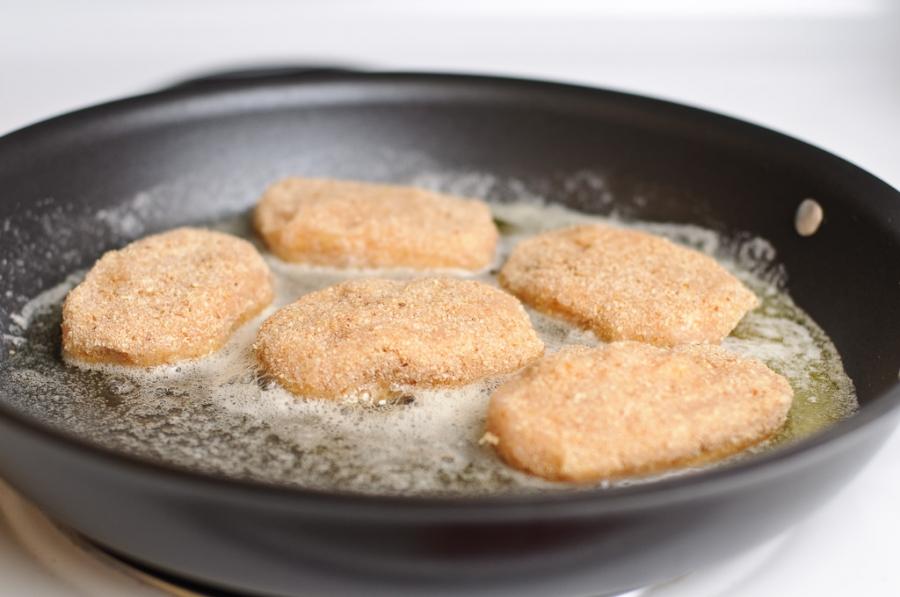 Куриные котлеты с плавленым сыром   - фото шаг 11
