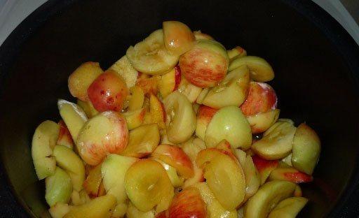 Пюре из яблок в мультиварке - фото шаг 2