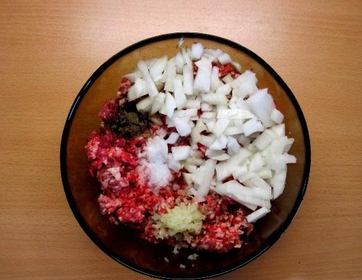 Фарш с помидорами и сыром - фото шаг 2