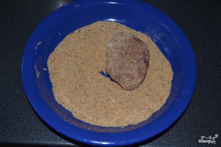 Котлеты в панировочных сухарях - фото шаг 7