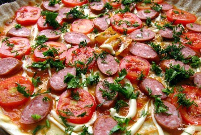 Пицца с копчёной колбаской - фото шаг 7