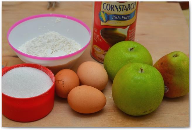 Шарлотка с яблоками без разрыхлителя - фото шаг 1