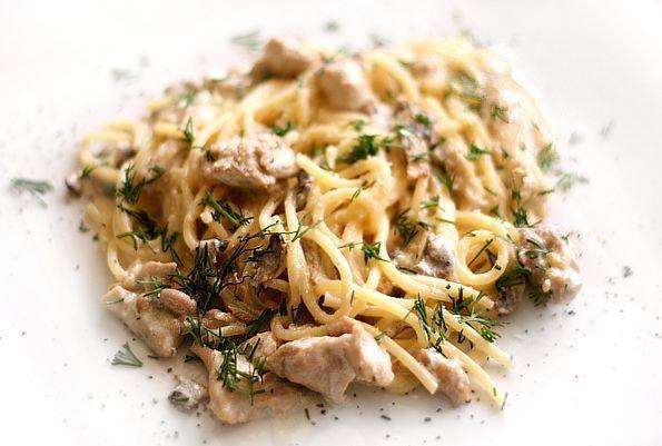 Рецепт Паста с курицей и миндальным соусом