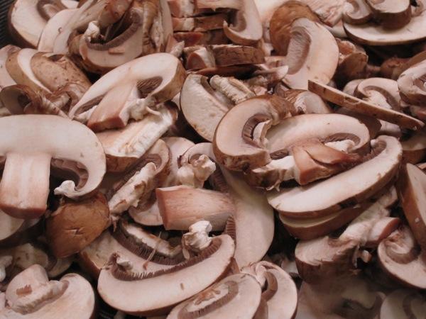 Рецепт Салат с мясом и грибами