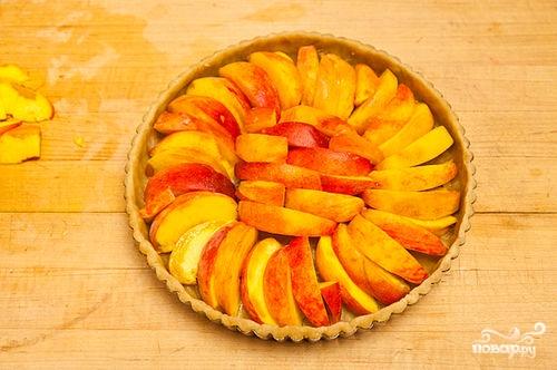 Песочный пирог с персиками - фото шаг 8