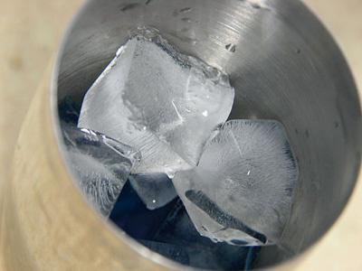 Алкогольный коктейль с апельсиновым соком - фото шаг 2