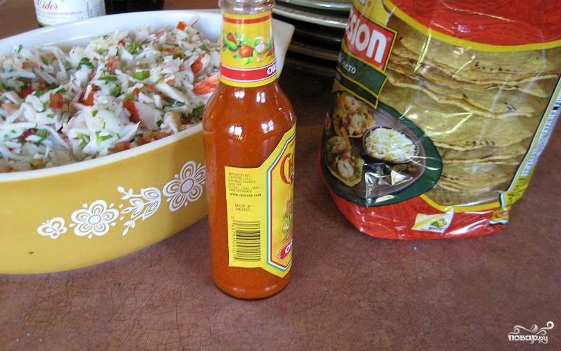Салат с креветками и крабовым мясом - фото шаг 9