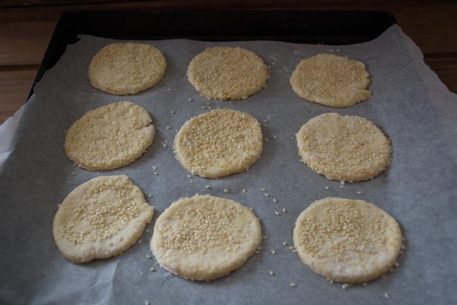 Печенье на сметане с кунжутом - фото шаг 6