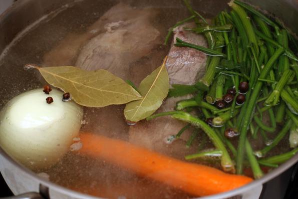 Мясной суп с вермишелью - фото шаг 3