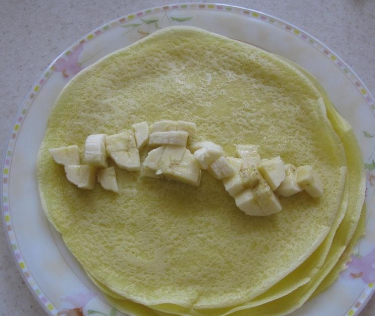 Блинчики с шоколадом и бананом - фото шаг 4