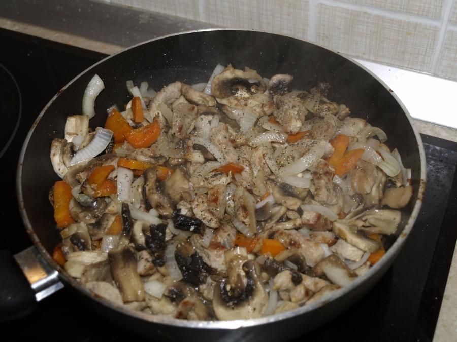 Рагу с мясом и грибами - фото шаг 5