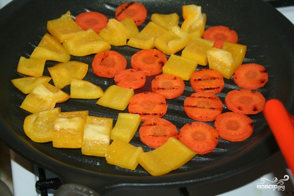 Салат с жареной морковью - фото шаг 3