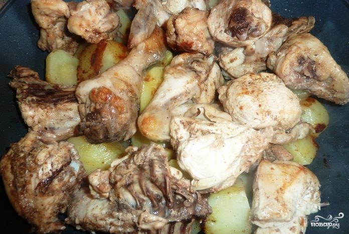 Курица, тушенная в казане - фото шаг 5