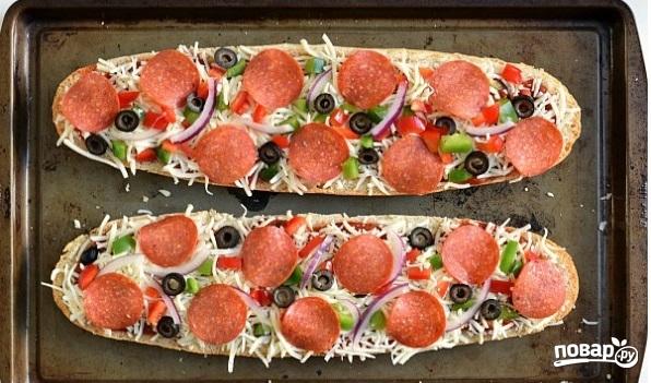 Пицца на батоне в духовке - фото шаг 4