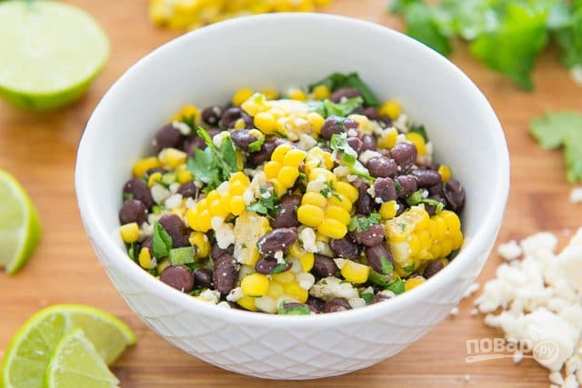 Мексиканский салат из кукурузы и фасоли