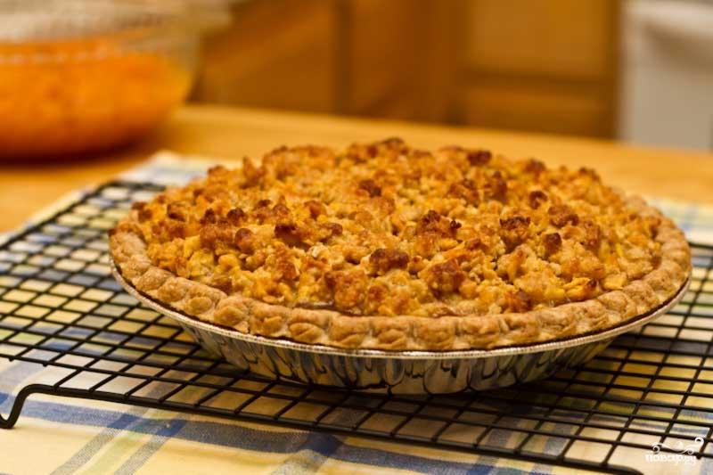 Рецепт Абрикосовый пирог с грецкими орехами