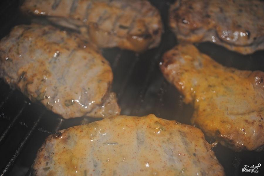 Отбивные из свинины на гриле - фото шаг 2