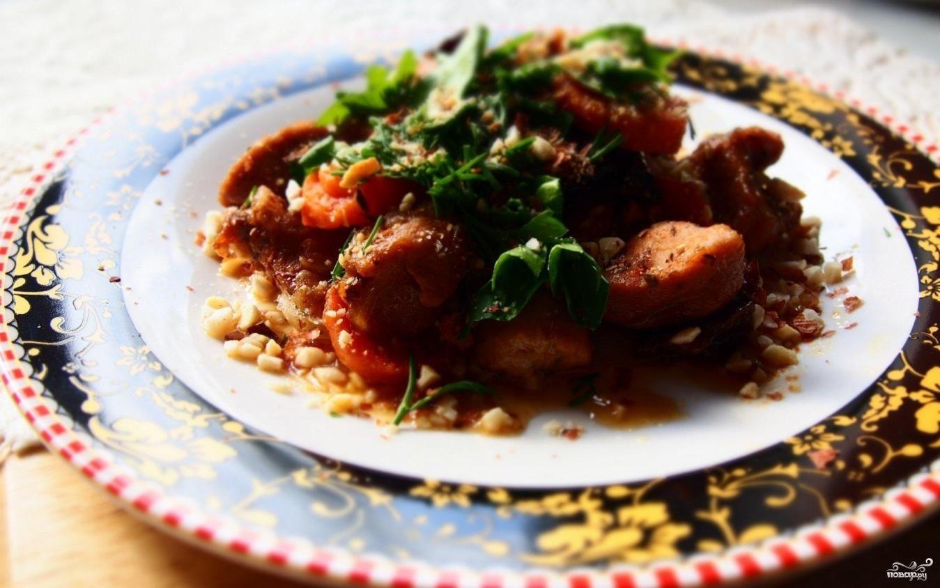 Классический рецепт салата цезарь с курицей и сухариками