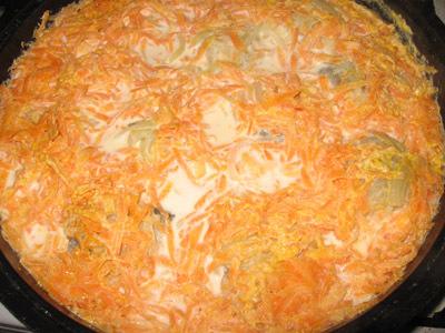 Минтай с луком и морковью - фото шаг 6