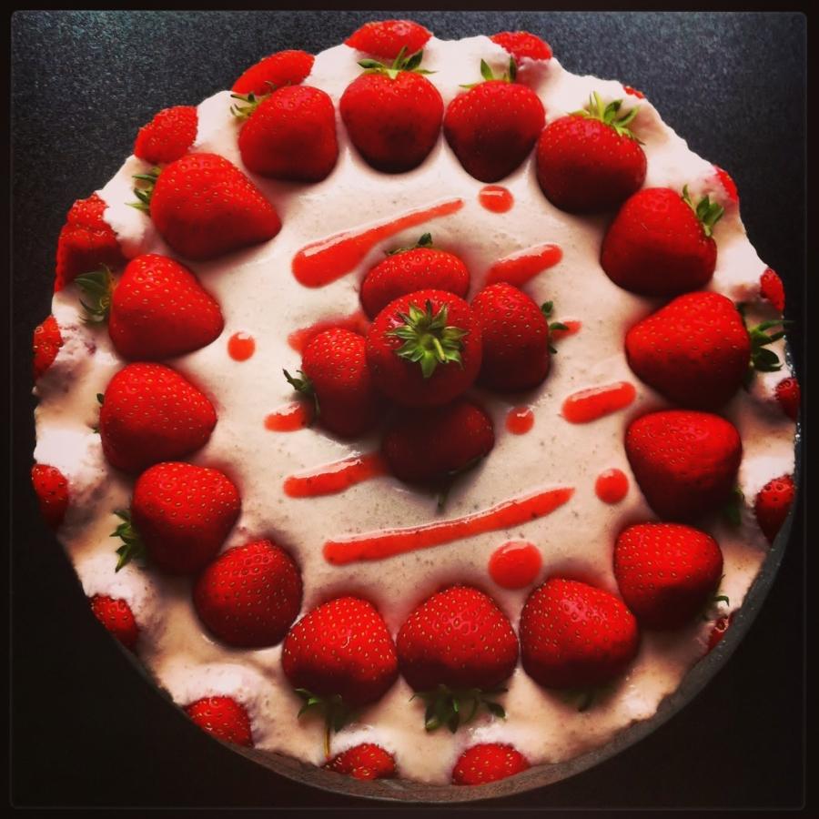 Приготовление торта: Фруктовое наслаждение без выпечки