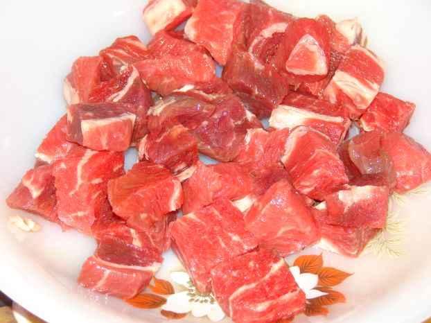 Рецепт Гуляш из говядины со сметаной