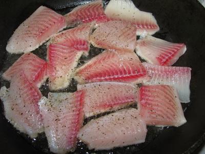Рыба, тушеная в томате - фото шаг 1